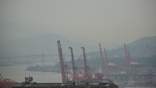 air-pollution-over-vancouver-harbour